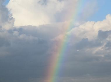 神用彩虹來跟我們訴說:考試期間,聖三位與我同在